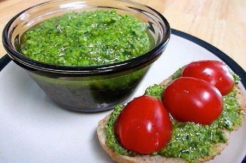 украшение бутербродов кусочками овощей