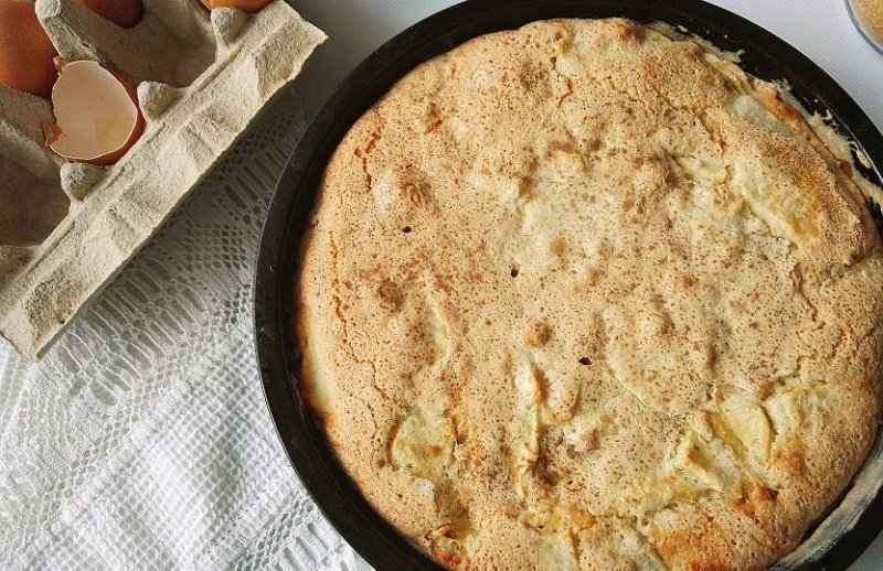 яблочный пирог на сковороде фото