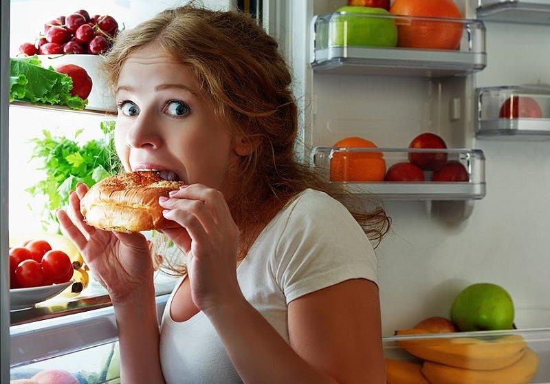 почему нельзя есть на ходу