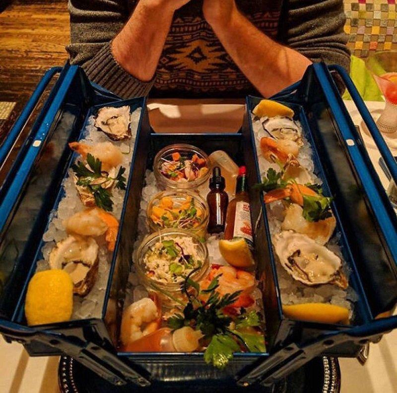 морепродукты подача
