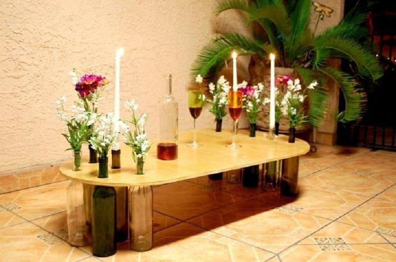 столик из бутылок