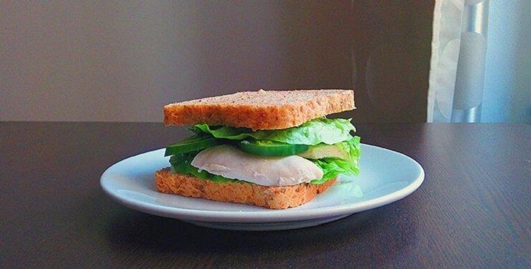 Бутерброды с куриной грудкой