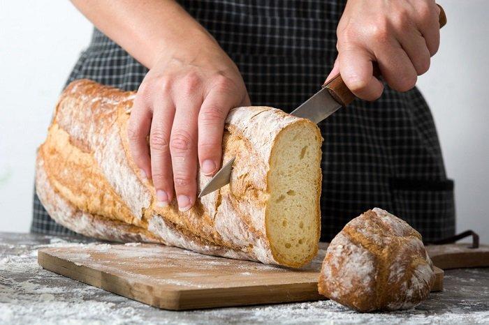 кулинарные советы, как резать теплый хлеб