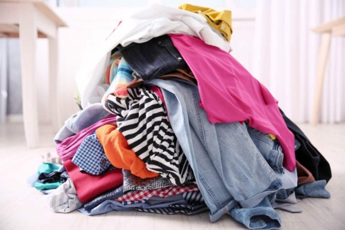 Половая тряпка из старых вещей: почему нельзя мыть пол футболкой