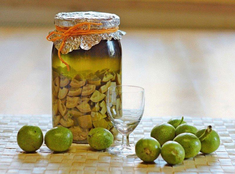 польза зеленых орехов