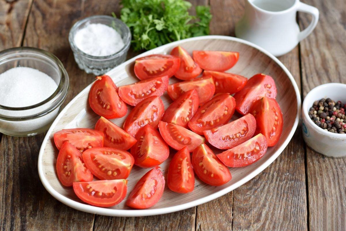 Домашні помідори часточками на зиму