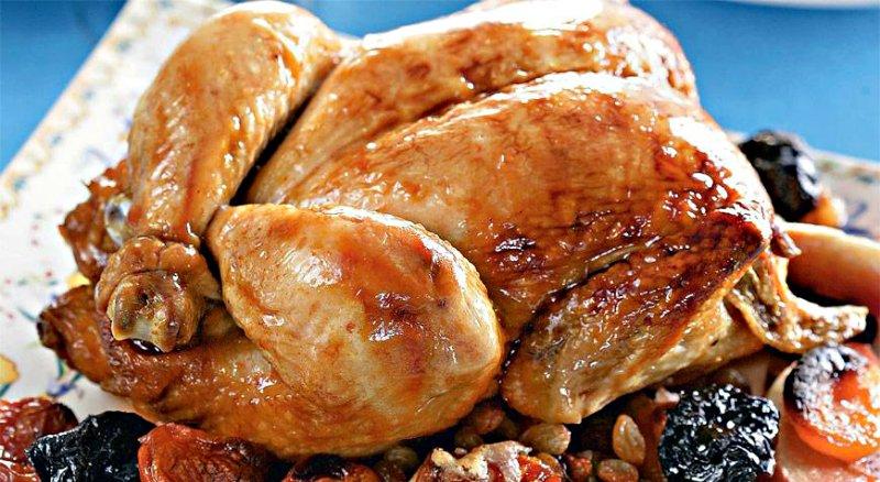 запеченная курица с сухофруктами