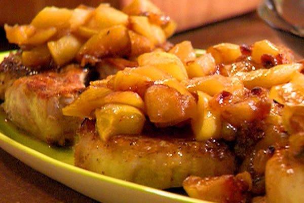 Рецепты вкусных соусов, яблочный соус с изюмом