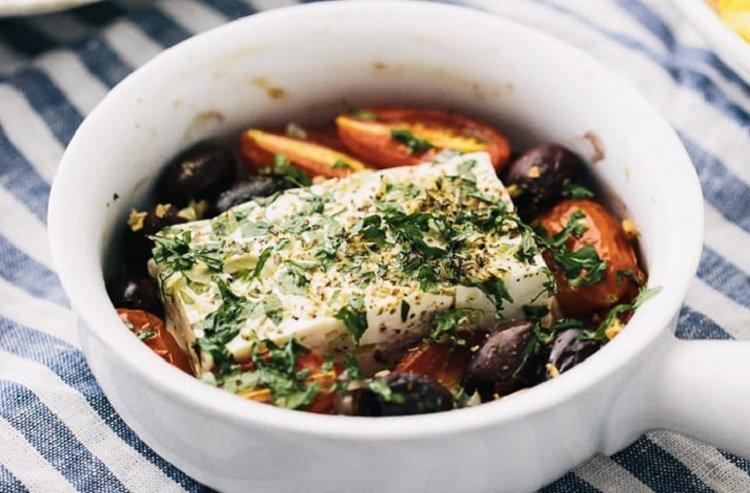 Рецепты запеченных сыров, фета с помидорами