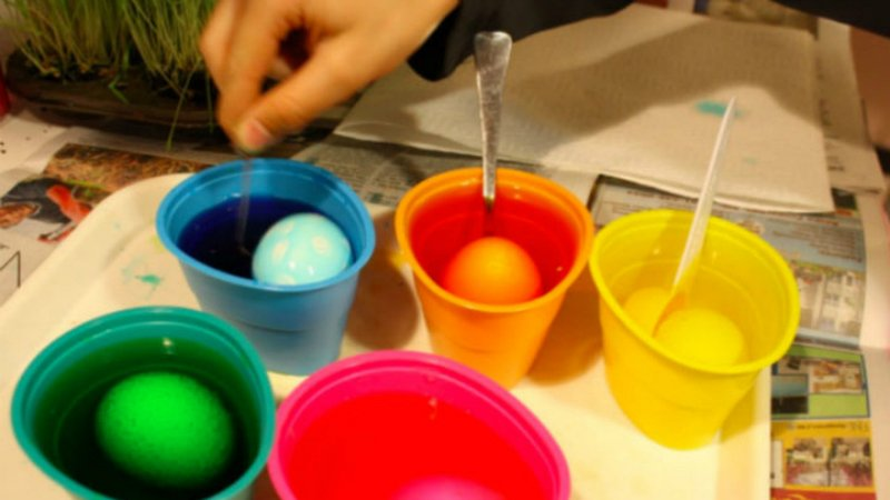 яйца в краске