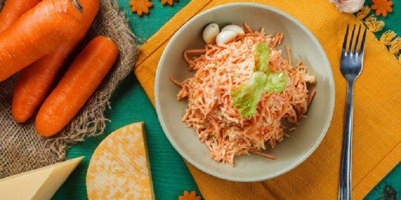 салат з моркви, сиру і часнику