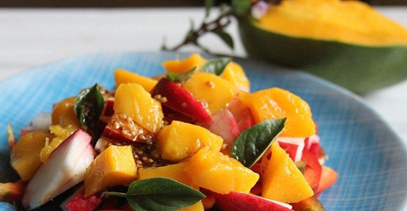 салат с болгарским перцем и манго