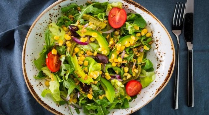 Легкие салаты от Юлии Высоцкой, салат с кукурузой и авокадо