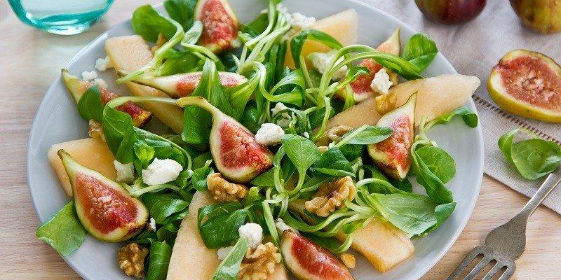 Салат с дыней и инжиром