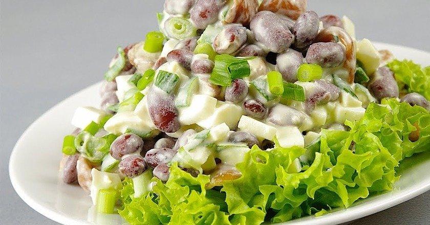 ситний салат з грибами