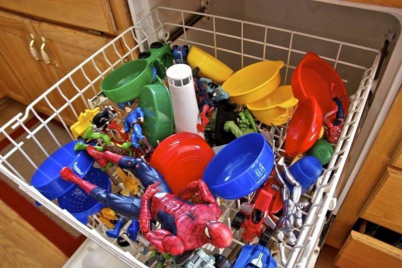 очистить детские пластиковые игрушки