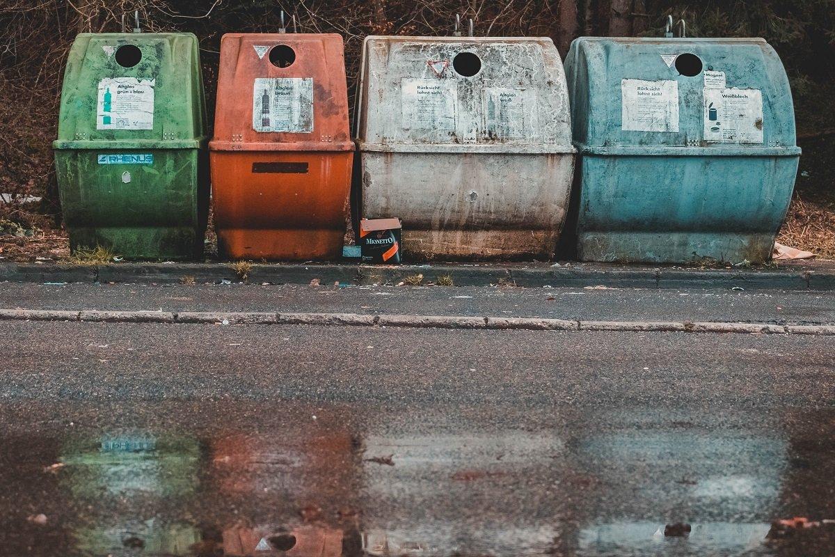 как отучить соседей выбрасывать мусор под дверь