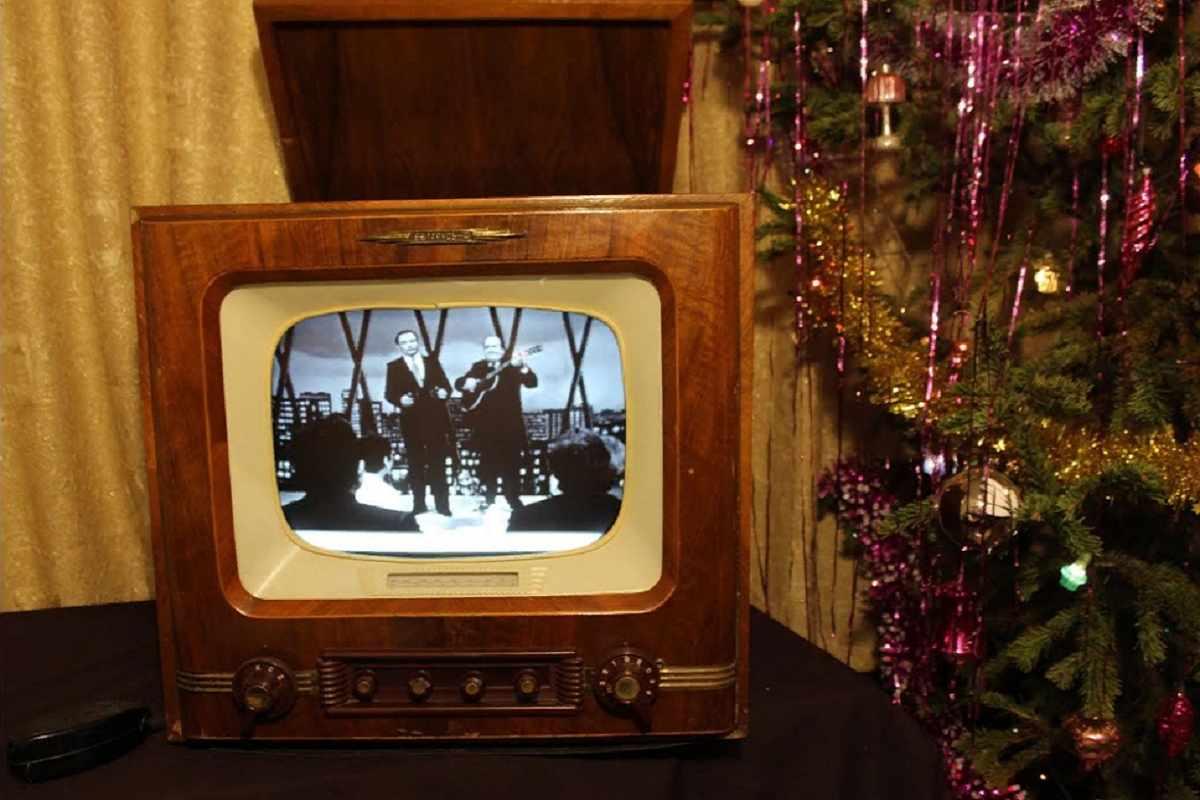 Советский Новый год: стол, украшения и шоу-программа