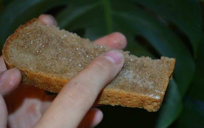 хлеб с маслом и солью
