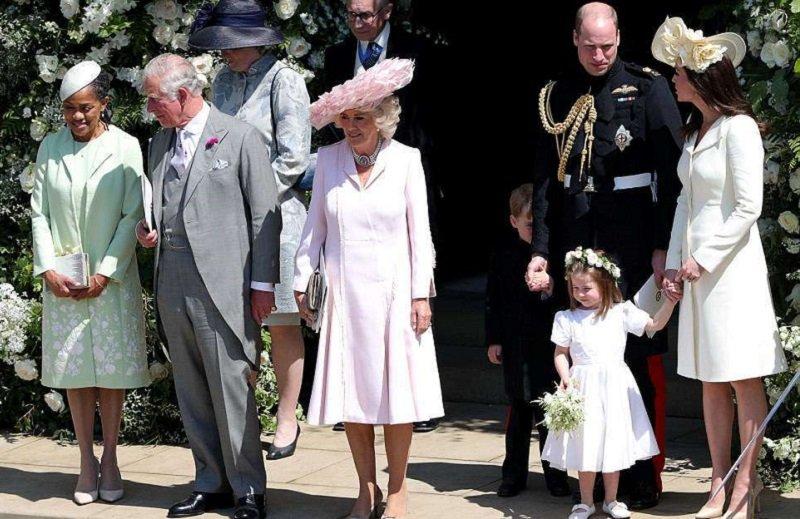 королевская семья на свадьбе