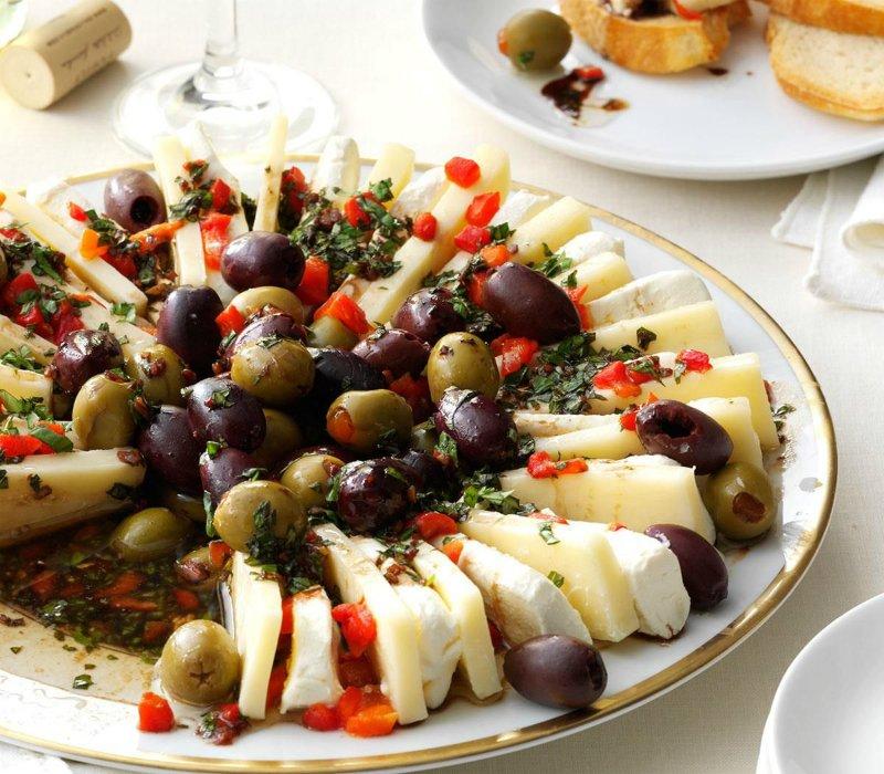 закуска из сыра с оливками