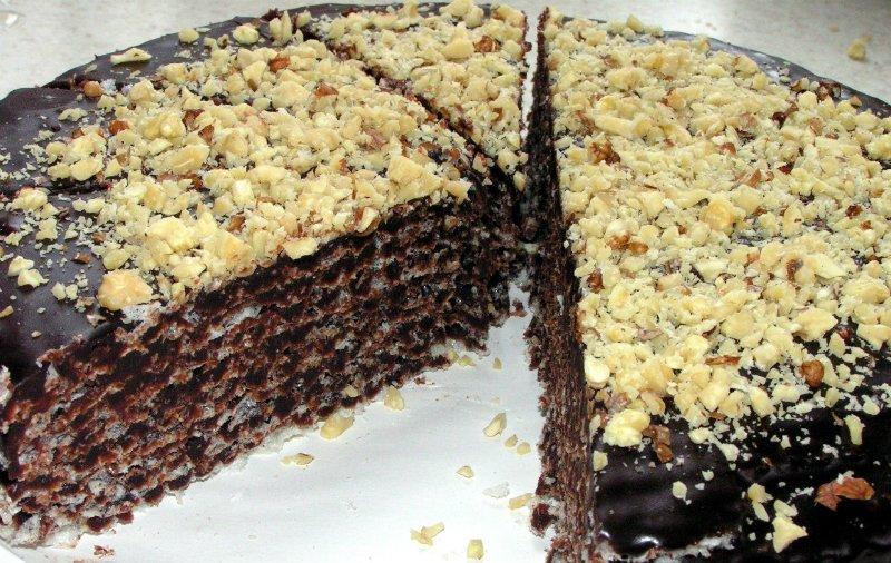 Торт из вафельных коржей с шоколадным кремом