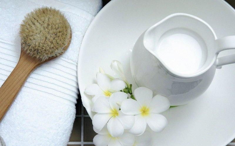 клеопатрра в молочной ванной