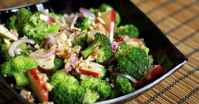 салат из брокколи