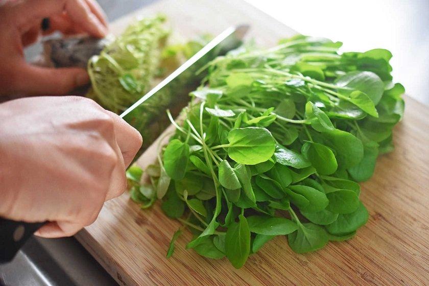листовые овощи и говядина во время диеты