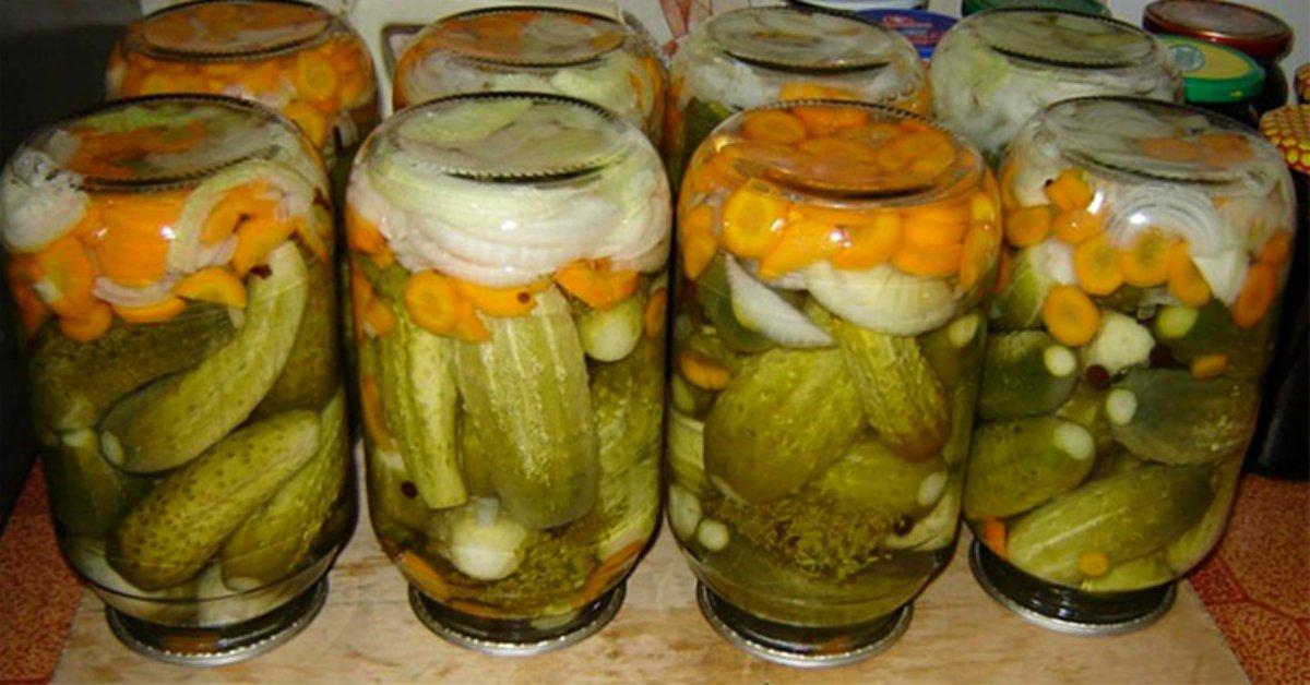 Баварские огурцы, маринованные с овощами