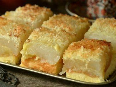 Бисквитный яблочный пирог с кокосом
