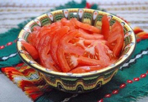 запеченная брынза с помидорами и перцем