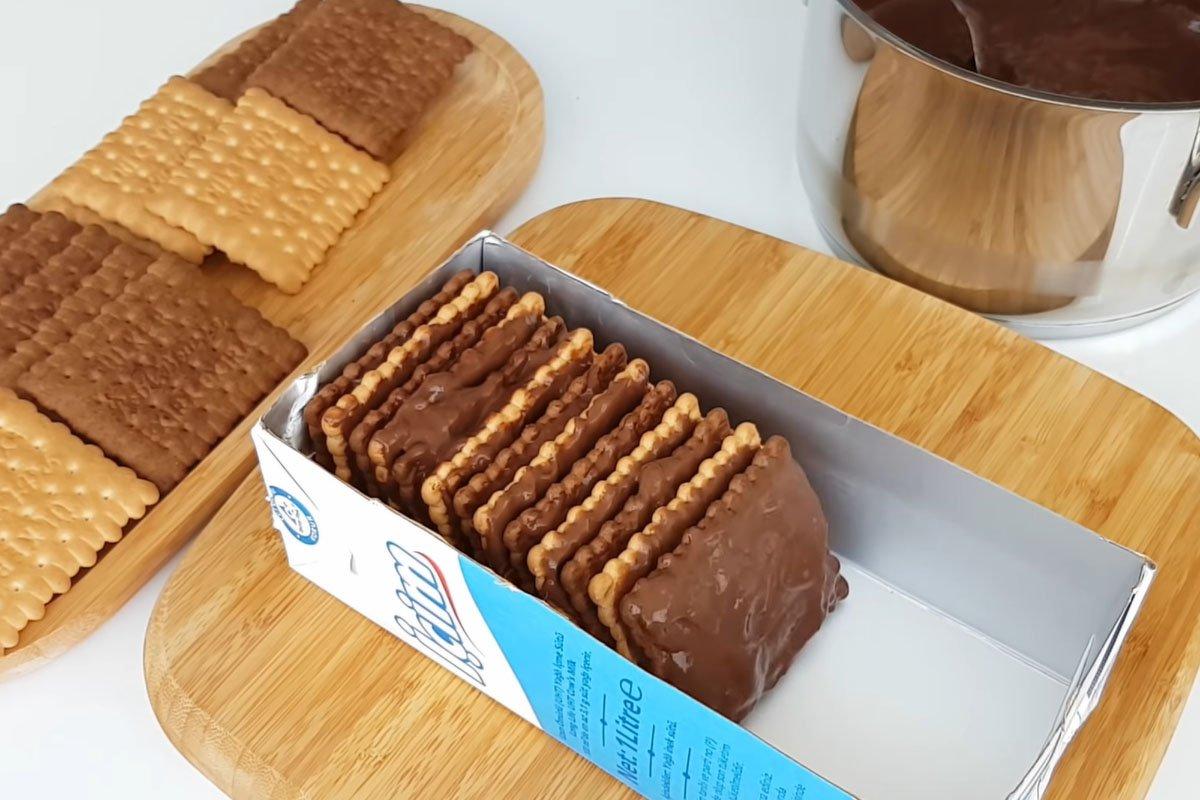 Простий десерт з печива без випічки