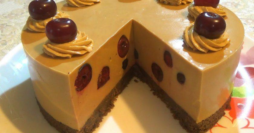 Домашній торт «Крем-брюле» з вишнею подивитися рецепт
