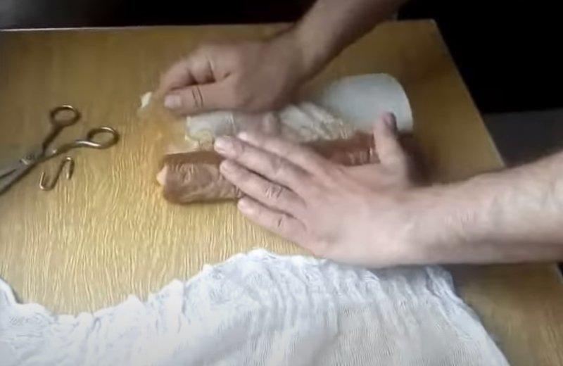 домашняя колбасав пищевой пленке