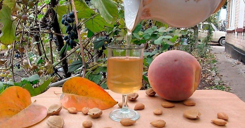 Домашняя персиковая настойка