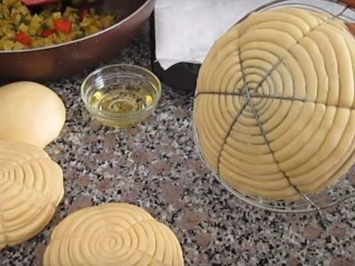 Дрожжевые булочки с овощами