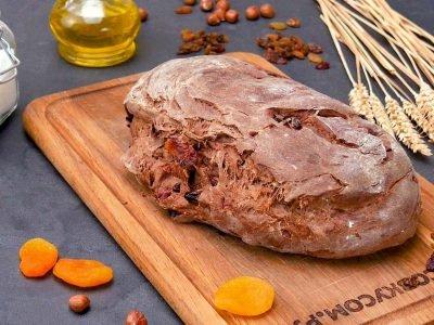 Хлеб десертный с орехами и сухофруктами