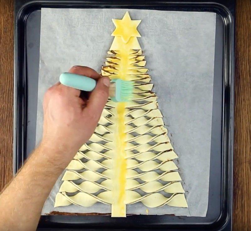 елка из слоеного теста фото