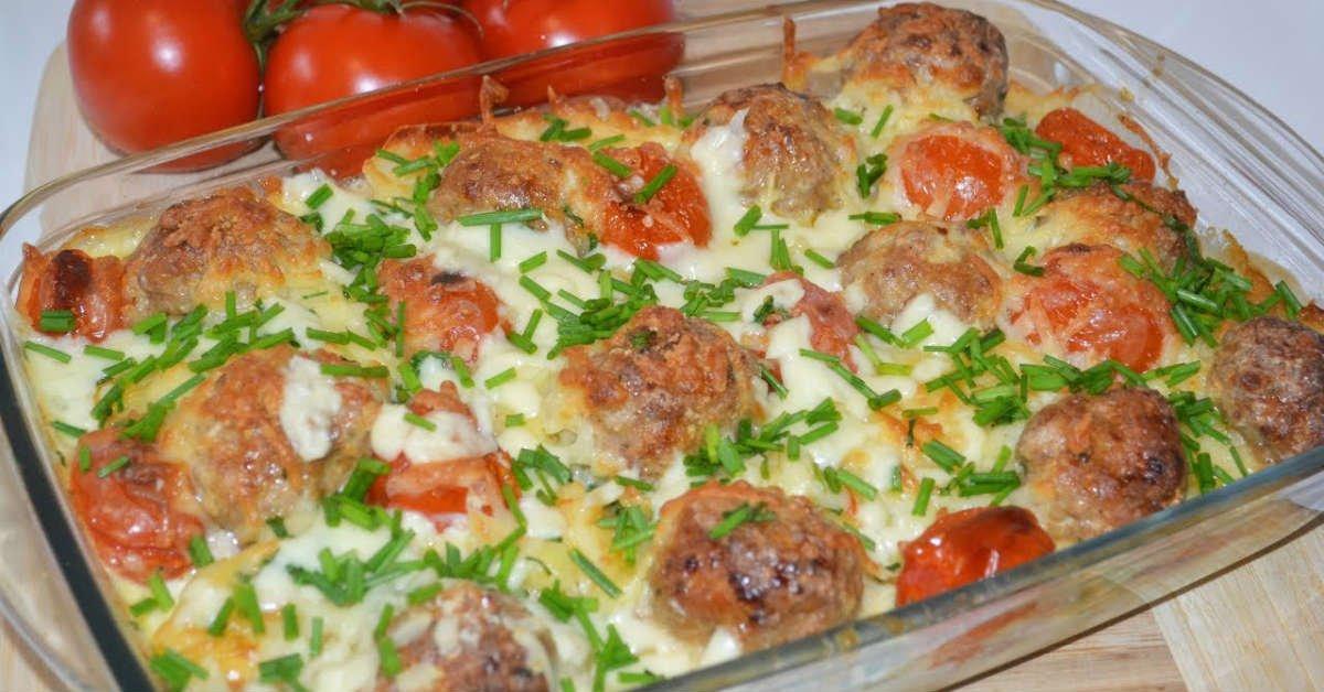 Фаршировані кабачки з картоплею в духовці