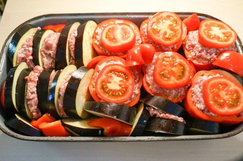 запекать овощи