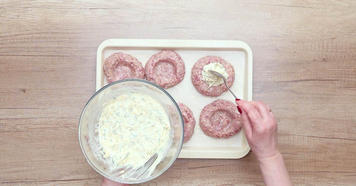 Это блюдо из фарша затмит любые котлеты! 25 минут в духовке — шедевр готов.