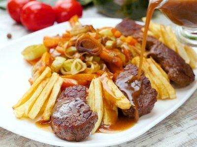 Говядина с картофелем фри