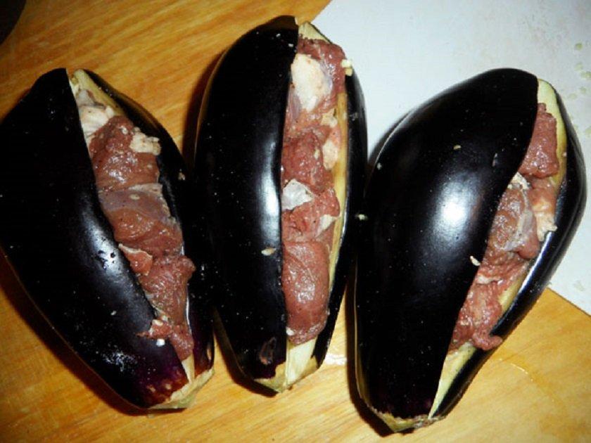 фаршированные мясом баклажаны
