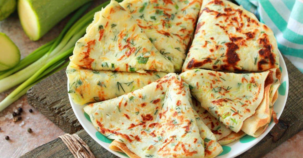 Кабачкові млинці з сиром і зеленню