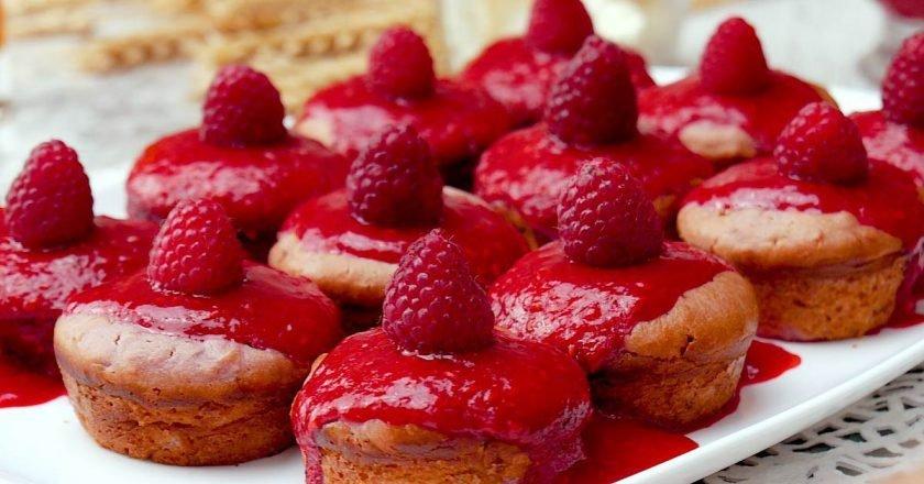 Как испечь малиновые кексы