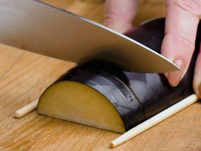 Как приготовить баклажаны в духовке
