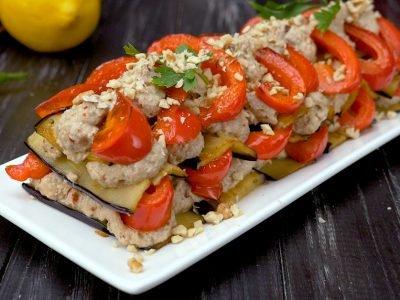 Как приготовить чесночно-ореховый салат