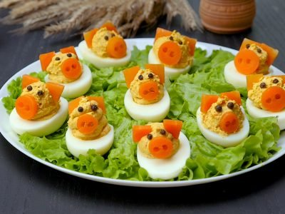 Как приготовить фаршированные яйца «Свинки»