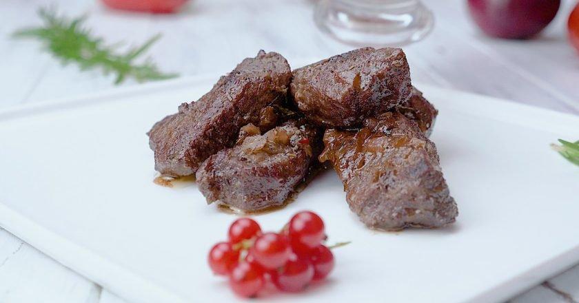 Как приготовить говядину со смородиной